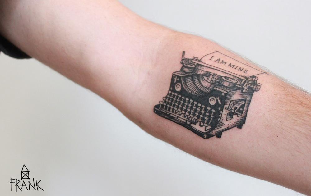 MiriamFrank_Tattoo_Schreibmaschine