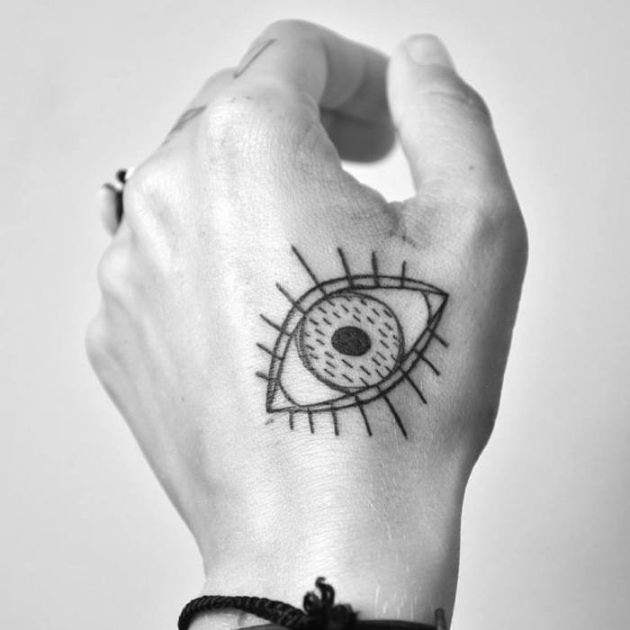 Miriam_frank_tattoo_eye_blackwork